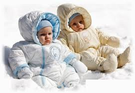 Комбинезон — удобная и практичная одежда для малыша